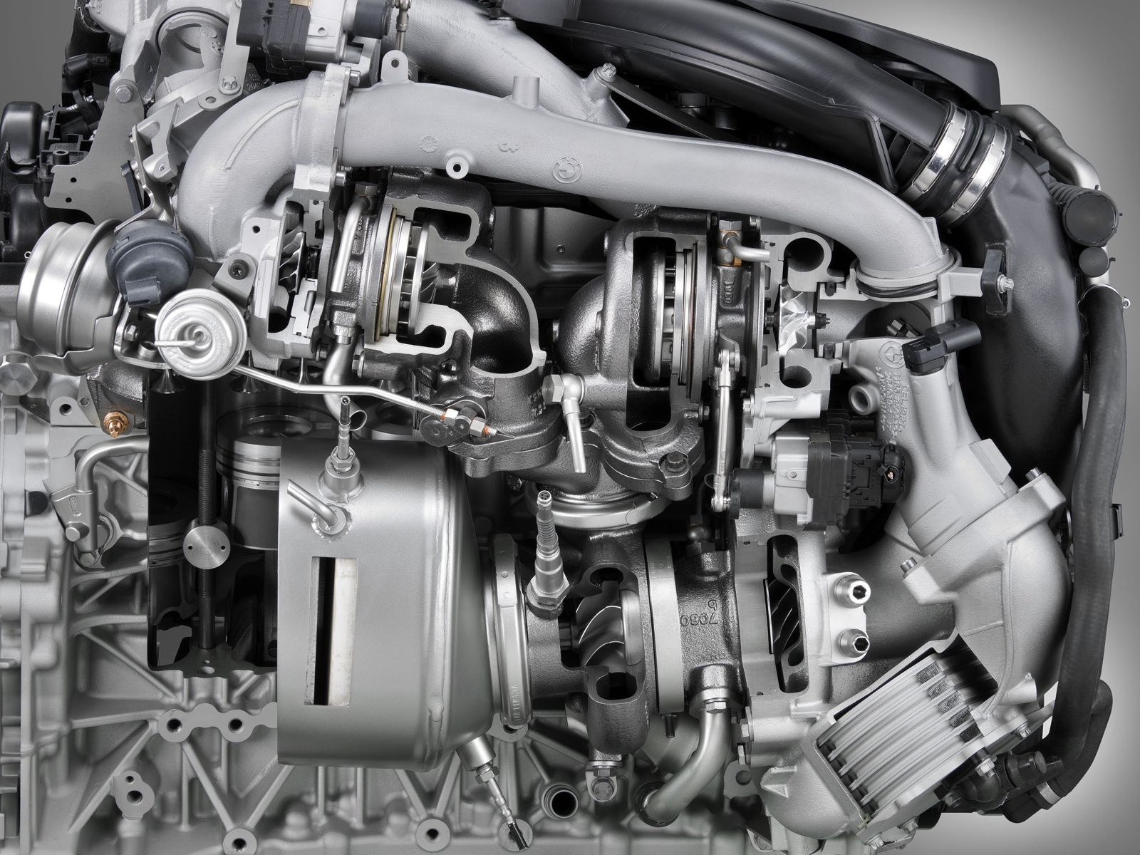 Turbo Diesel Transport Truck and Fuel Dilution Problem